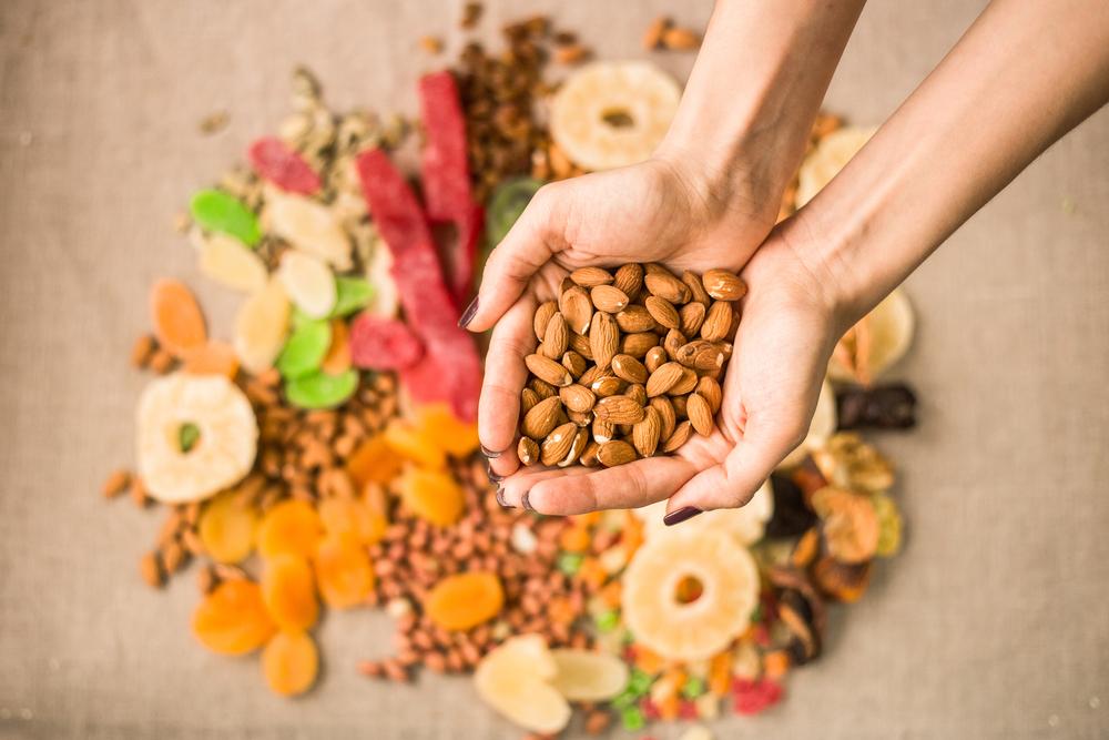 alimentos ricos en magnesio: almendras secas