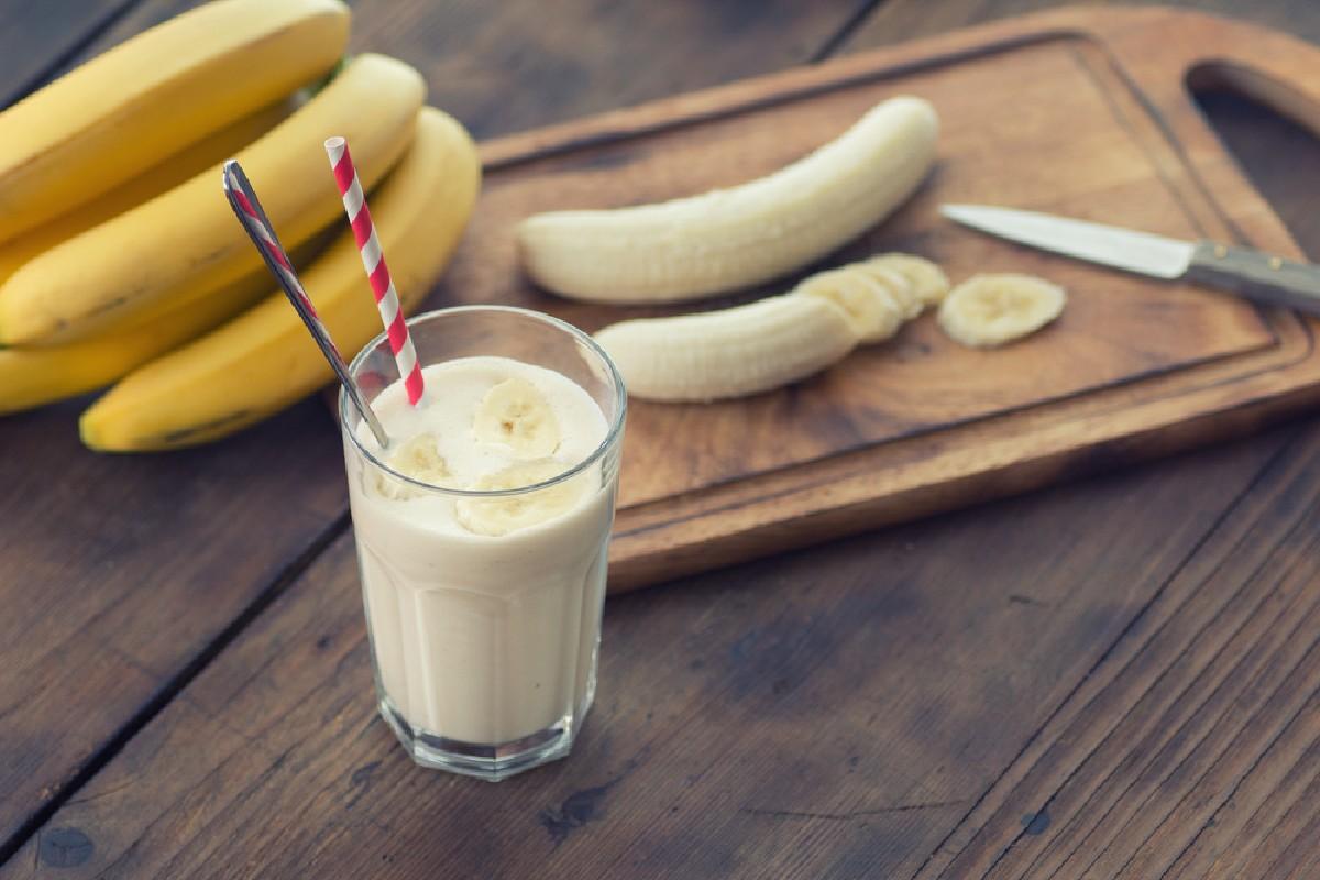 alimentos que no se deben guardar en el frigorífico: plátanos
