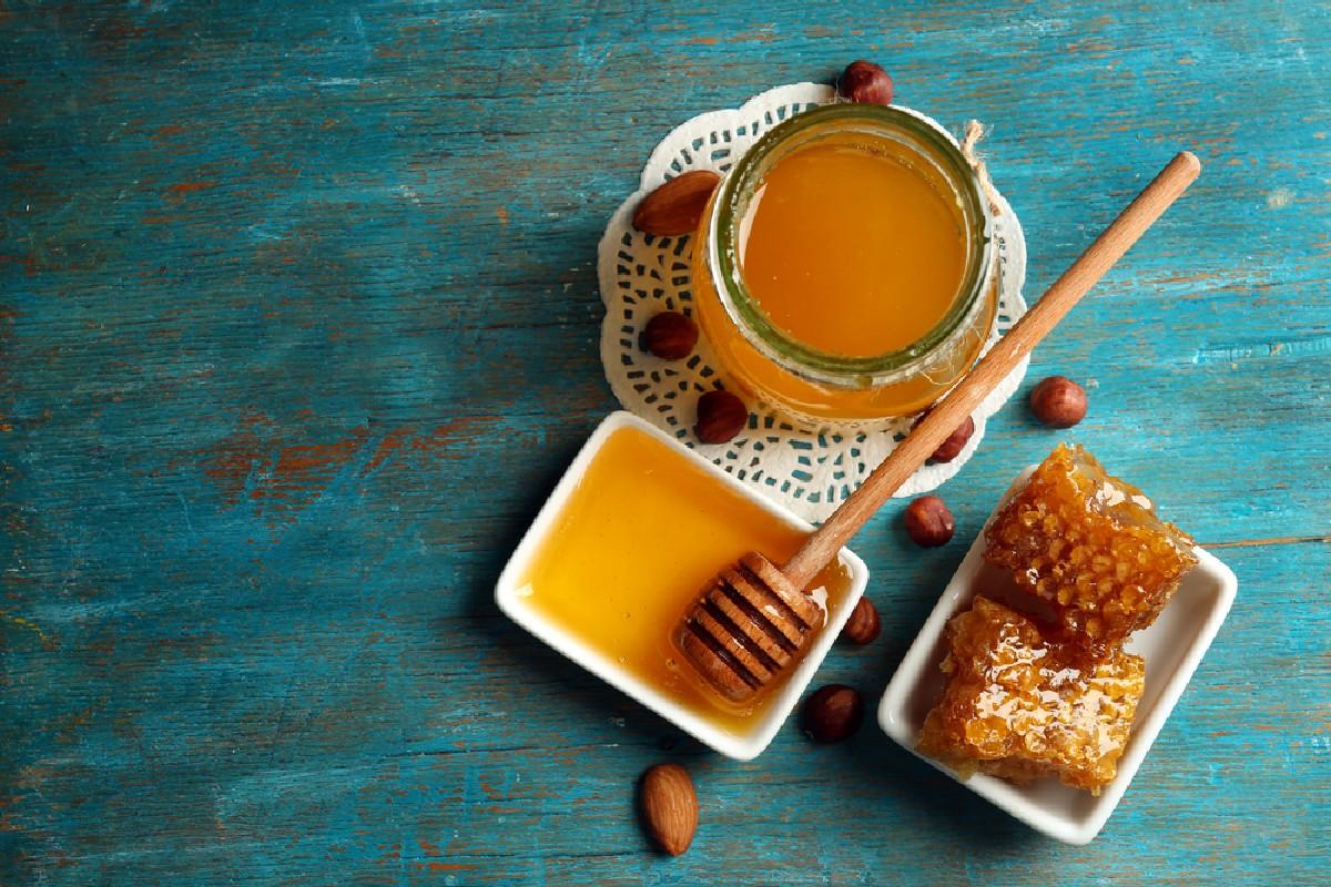 alimentos que no se deben guardar en el frigorífico: miel