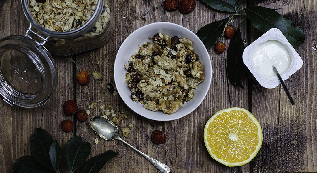 granola con pistacho para el desayuno