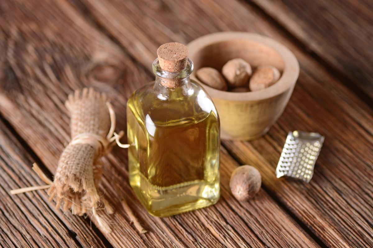 aceite esencial de nuez moscada