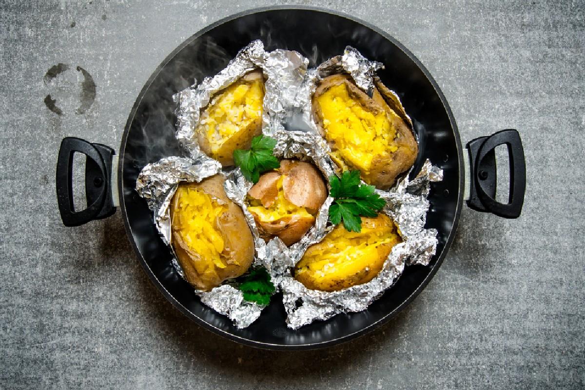alimentos que no se deben guardar en el frigorífico: patatas