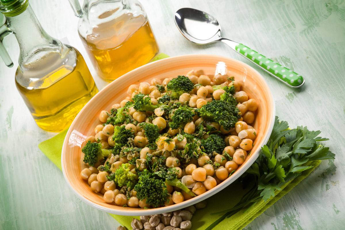 receta de garbanzos y brócoli con pimentón