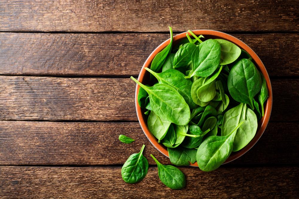 frutas y verduras de temporada: espinacas
