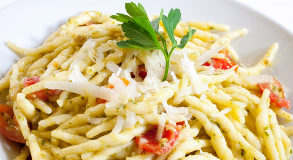 receta trofie achicoria y tomates